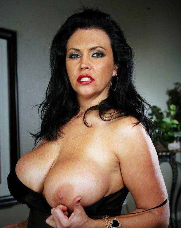 Les gros seins de la cougar