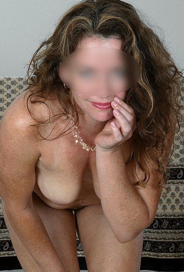 Plan sexe avec une belle mature nue