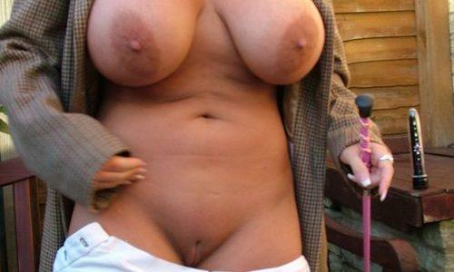 Belle ronde nue rencontre