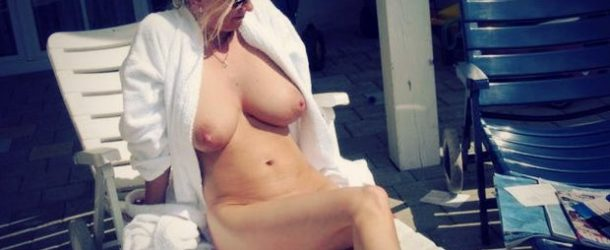 une-cougar-infidele-nue